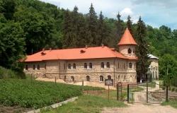 Мужской монастырь Св. Троицы, село Рудь