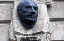 Monument to Valentin Voitsekhovsky