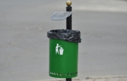 Dustbins will be installed at city stops in Chisinau