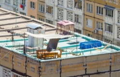 On the finest rooftop of Chisinau the owners are attempting to build a swimming pool